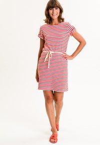 UVR Berlin - MARLISINA - Jersey dress - rot weiß gestreift - 1