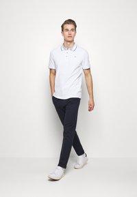 Guess - HORATIO  - Polo shirt - blanc pur - 1