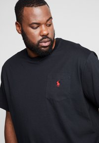 Polo Ralph Lauren Big & Tall - CLASSIC - Basic T-shirt - black - 4