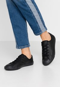 Converse - CHUCK TAYLOR ALL STAR DAINTY - Trainers - black - 0