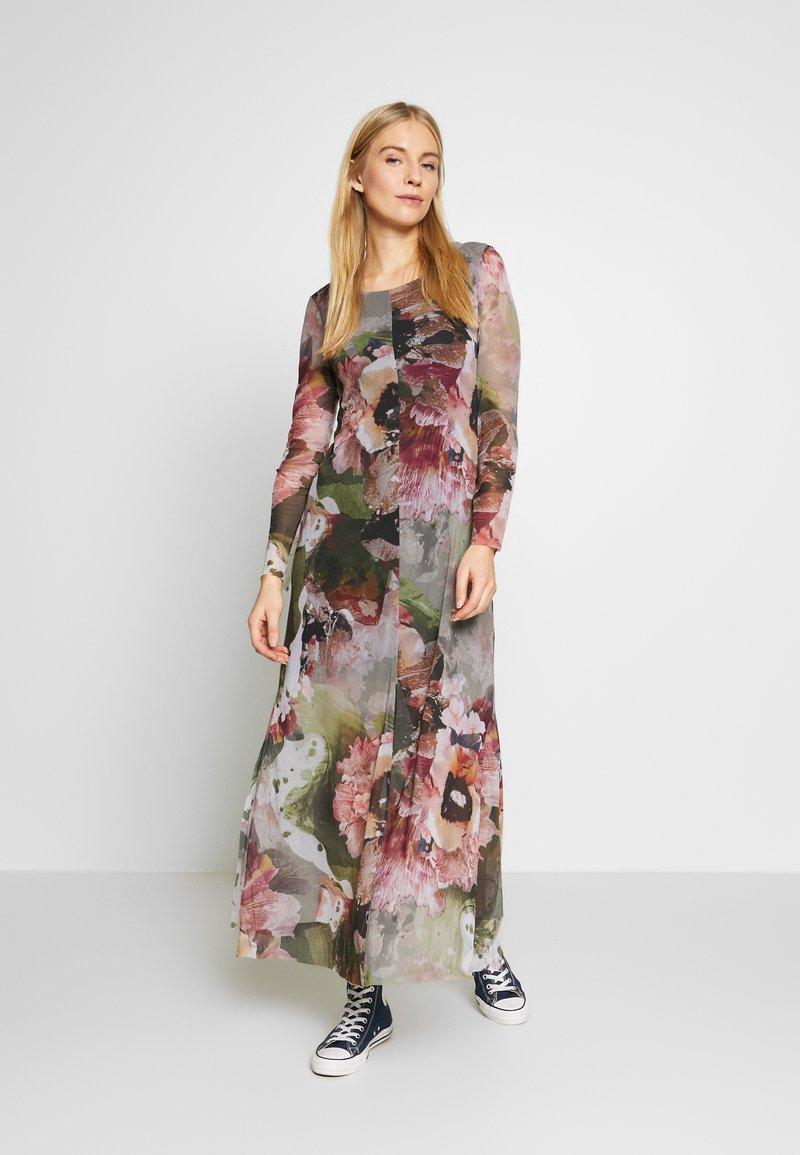 Desigual - VEST ARLES - Maxi šaty - green