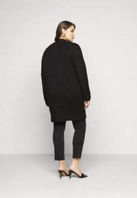 New Look Curves - CARDIGAN - Cardigan - black - 2