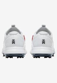 Nike Golf - TIGER WOODS - Golfskor - white/metallic cool grey/pure platinum/black - 3