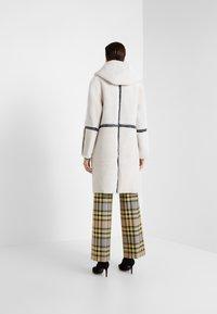 VSP - HOOD COAT REVERSIABLE - Classic coat - black/white - 2