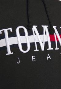 Tommy Jeans - RELAXED CROP LOGO HOODIE - Sweatshirt - black - 4