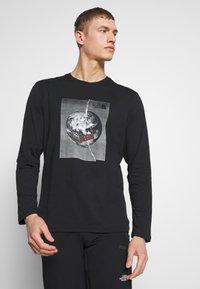 The North Face - MENS GRAPHIC TEE - Långärmad tröja - black/white - 0