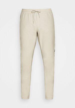 TECH LIGHT PANT - Outdoor trousers - celsian beige
