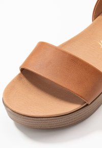 New Look - GENIUS - Sandalias con plataforma - tan - 2