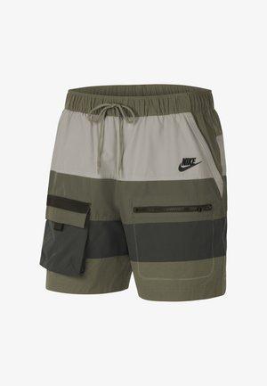 Shorts - medium olive