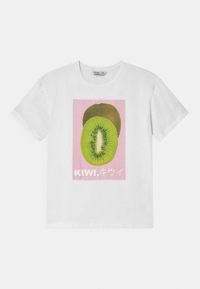 KRISTEL - T-shirt imprimé - white