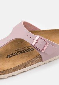 Birkenstock - GIZEH - Sandály s odděleným palcem - mauve - 5