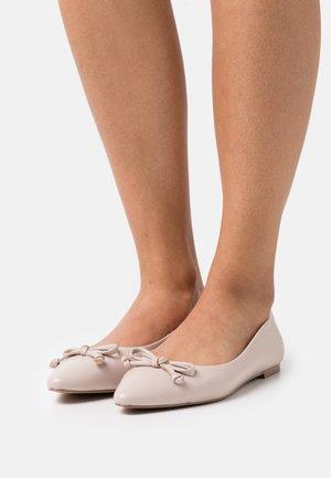 WIDE FIT - Ballerina's - light pink