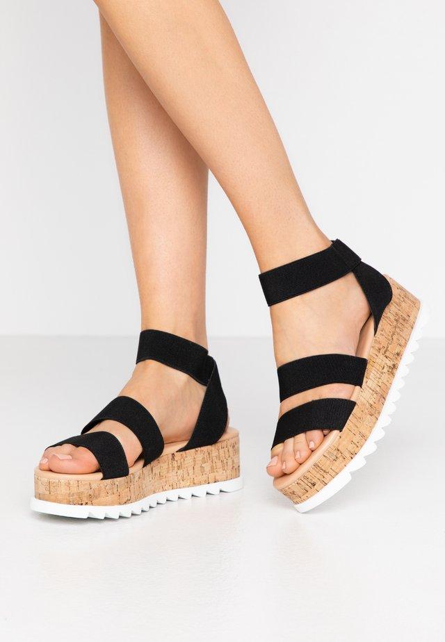 WIDE FIT RICO  - Korkeakorkoiset sandaalit - black