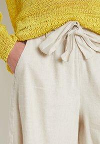 Lounge Nine - LAUREN - Shorts - beige - 5