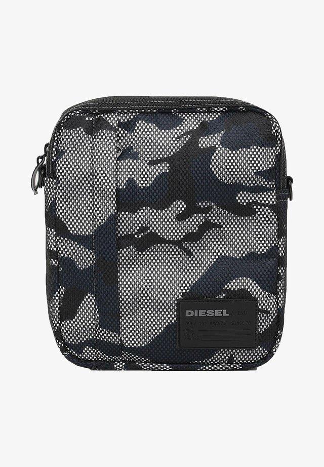 DISCOVER-ME ODERZO  - Across body bag - mehrfarbig
