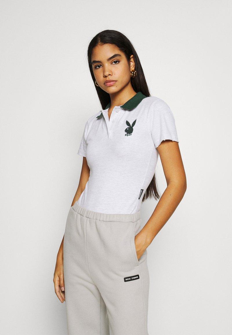 Missguided - PLAYBOY VARSITY BODYSUIT - Polo shirt - grey