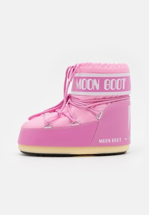 CLASSIC LOW 2 - Winter boots - pink