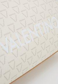 Valentino by Mario Valentino - LIUTO - Handbag - off white multi - 4