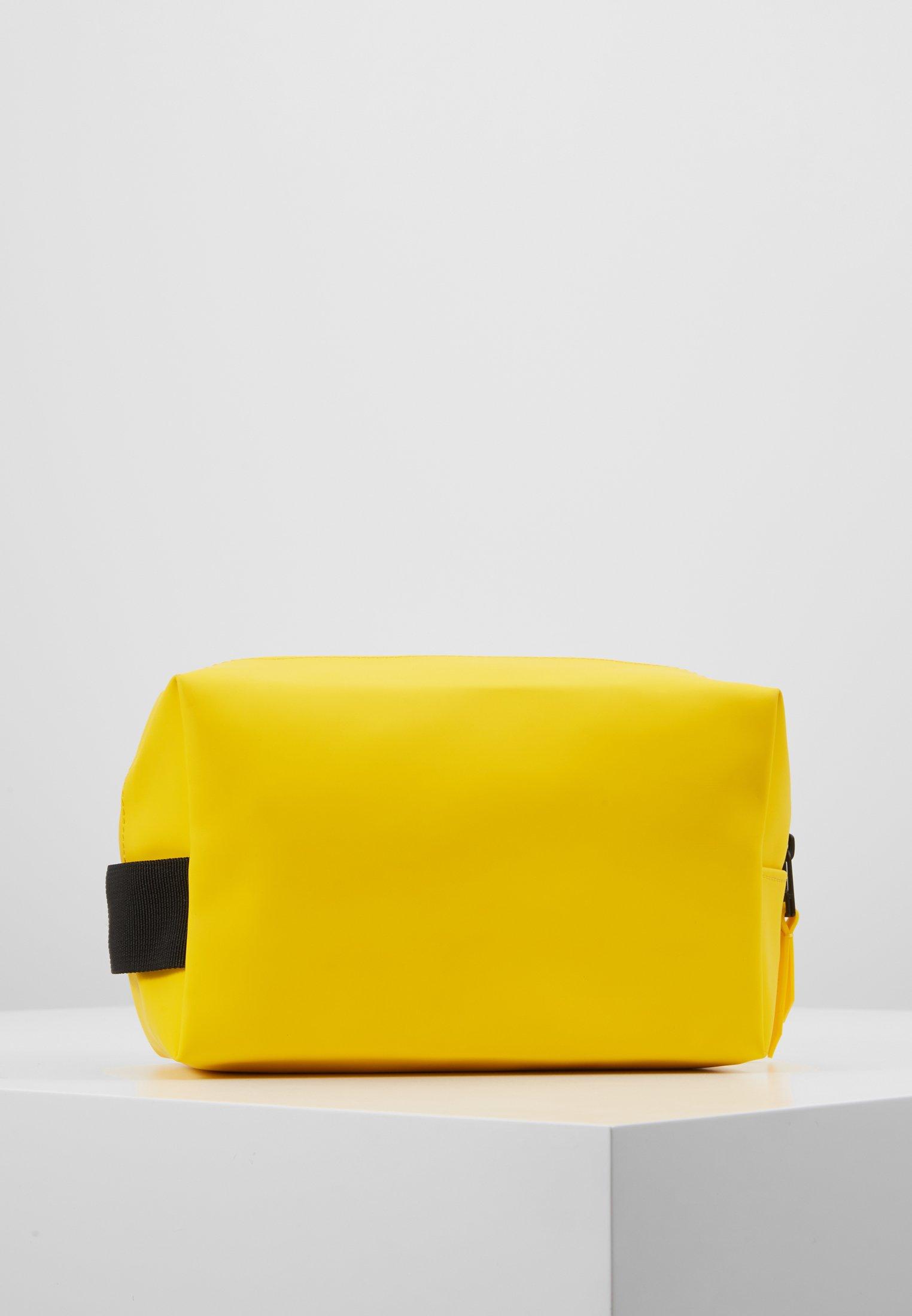 Rains WASH BAG SMALL - Toalettmappe - yellow/gul 0URicnqOFkVv7BQ