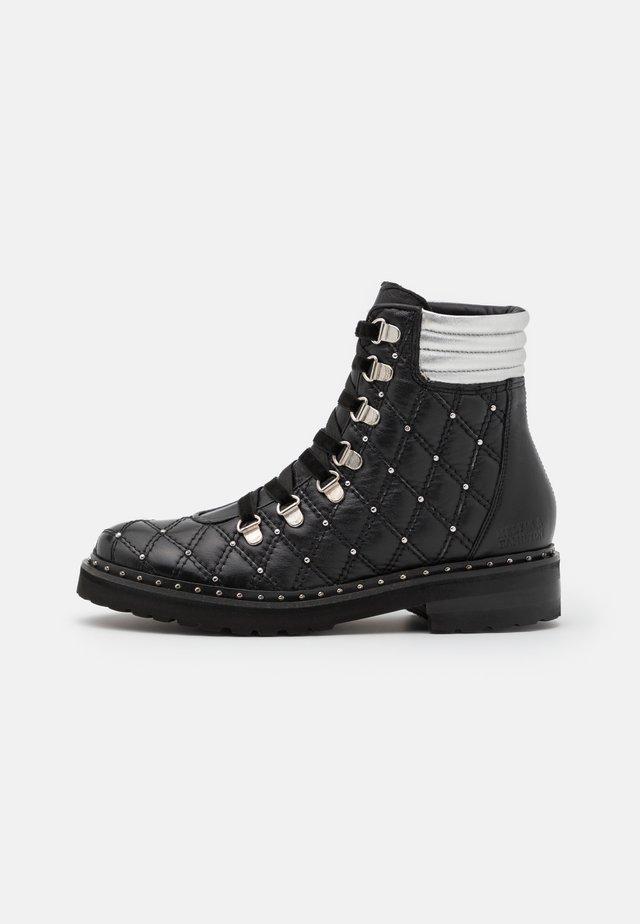 BONNIE  - Veterboots - black/silver