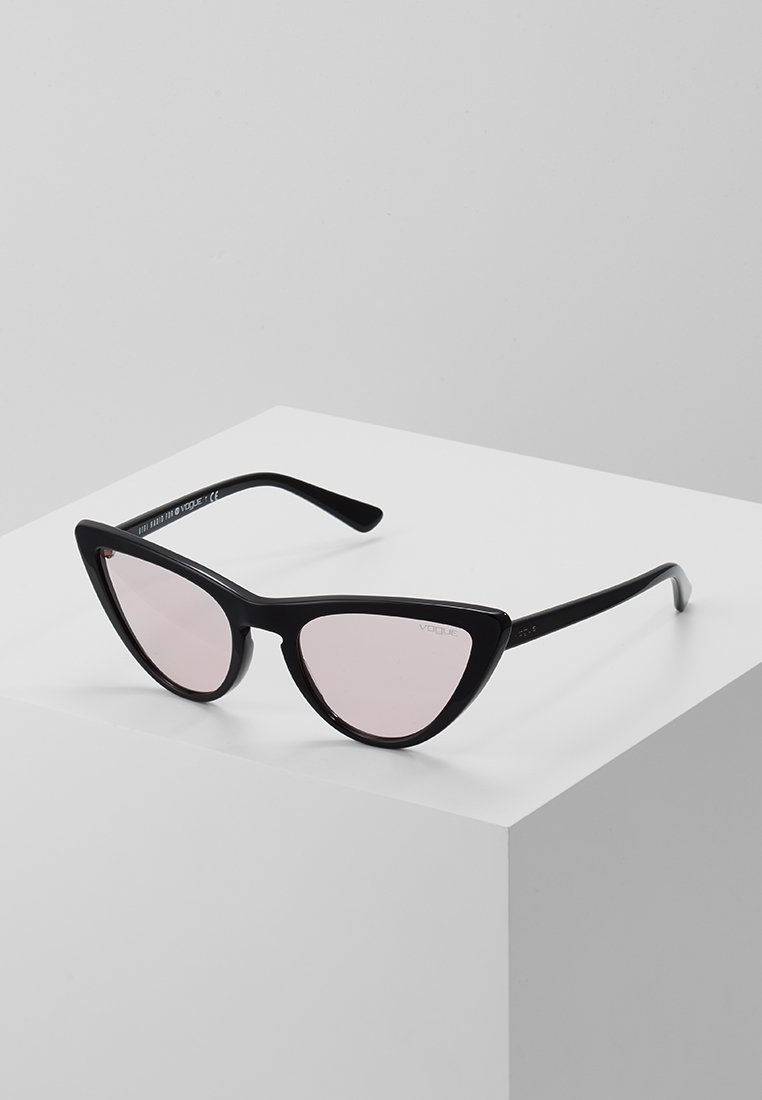 VOGUE Eyewear - GIGI HADID - Aurinkolasit - black/pink