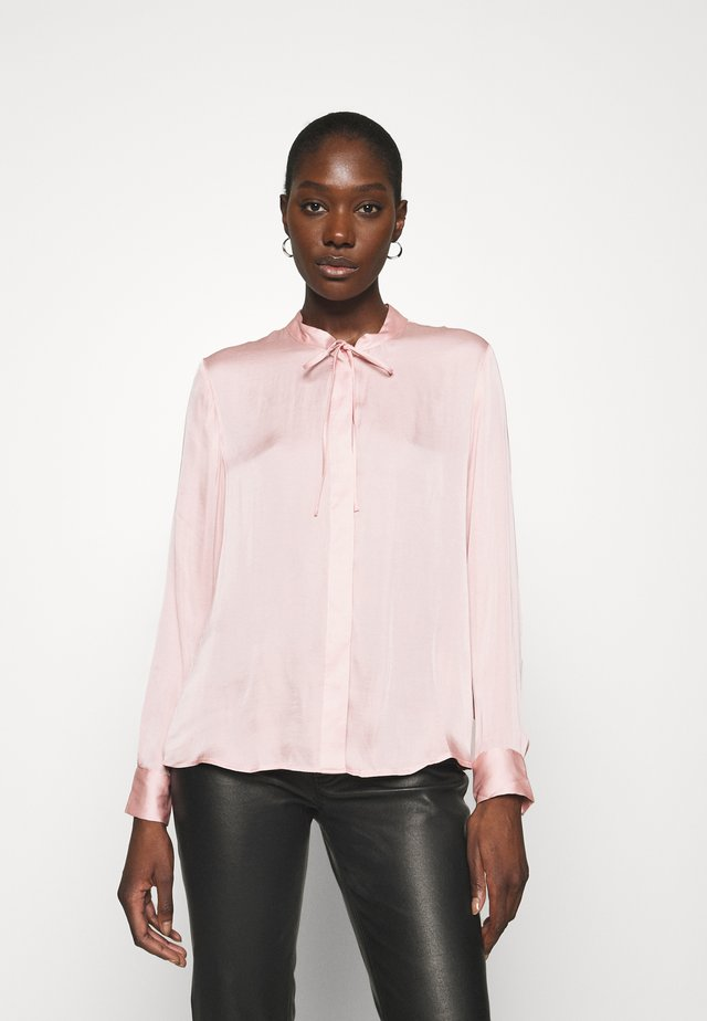 BUTTON DOWN SOFT TIE  - Bluser - blush hue