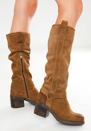 Boots - sd mouton cmt