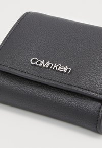 Calvin Klein - MUST TRIFOLD - Wallet - black - 2