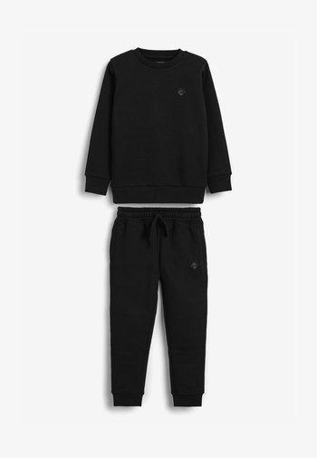 SET - Tracksuit bottoms - black