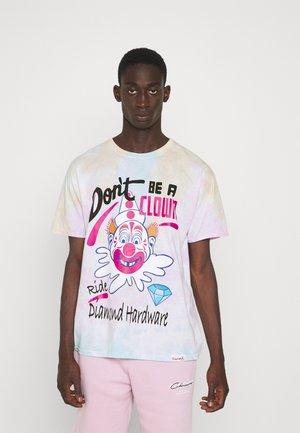 DON'T CLOWN TIEDYE TEE - T-shirt imprimé - multi-coloured