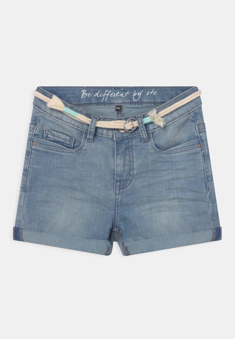 Staccato - TEENAGER - Denim shorts - light blue denim