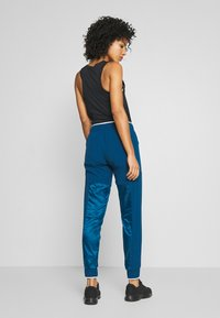 Nike Performance - AIR PANT - Teplákové kalhoty - valerian blue - 2