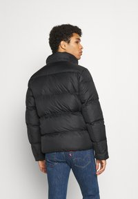Tommy Jeans - ESSENTIAL JACKET - Kurtka zimowa - black - 3