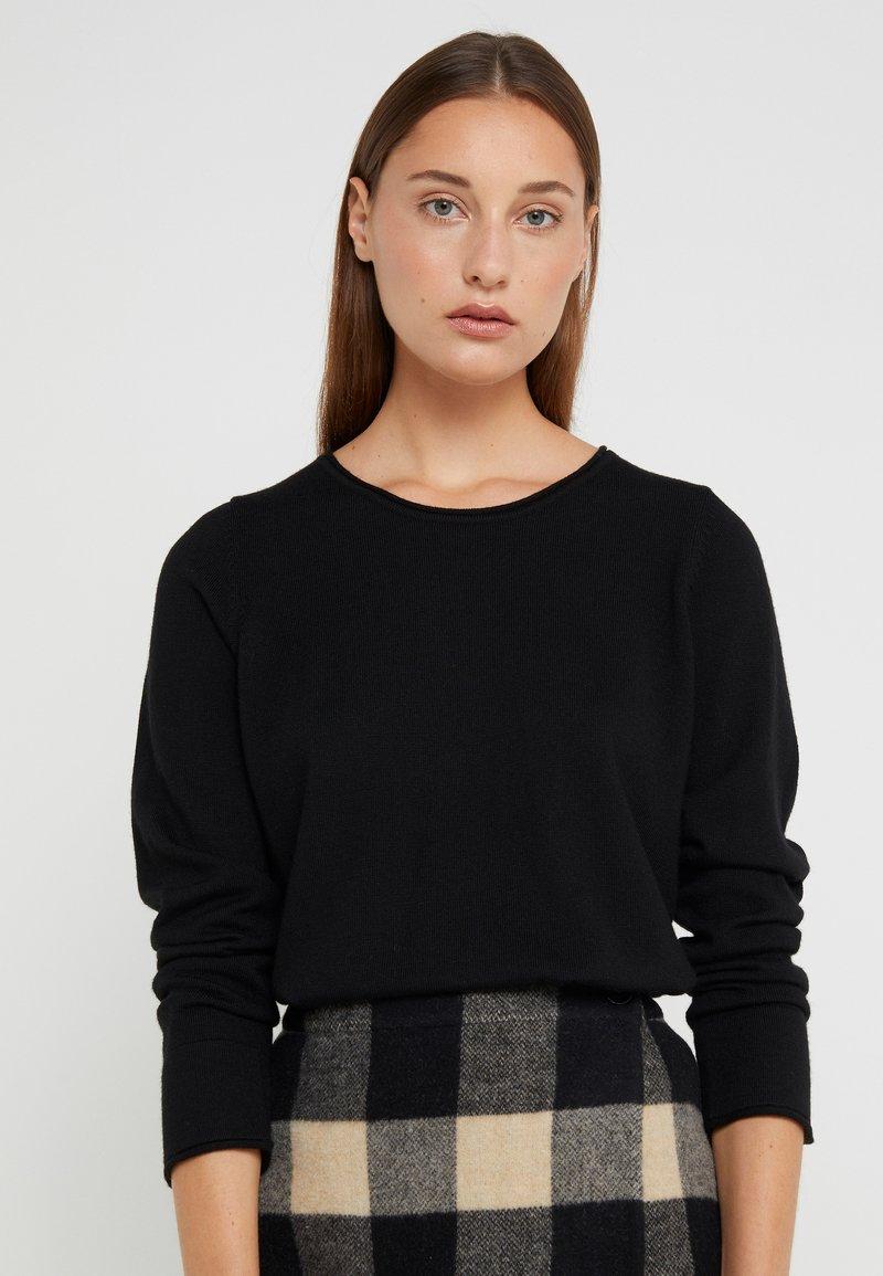 Repeat - LOOSE CREW JUMPER - Stickad tröja - black