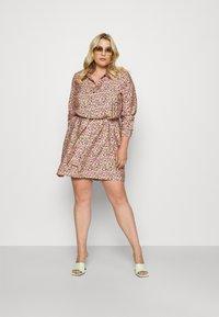 Vero Moda Curve - VMELLIE SHORT DRESS - Shirt dress - geranium pink - 1