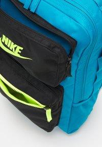 Nike Sportswear - FUTURE PRO 24 L UNISEX - Batoh - laser blue/black/volt - 3