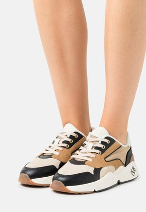 NICEWILL - Baskets basses - beige/black