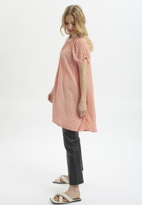 Kaffe - Tunic - coral and chalk small graphic - 0