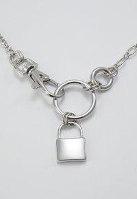 Hikari - PACK LOCK PENDANT - Halskæder - silver-coloured - 5