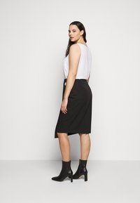 CAPSULE by Simply Be - BUTTON DOWN PENCIL SKIRT - Pencil skirt - black - 2