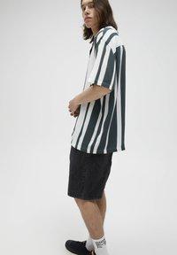 PULL&BEAR - Skjorta - dark green - 3