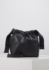 Pieces - PCBEAU CROSS BODY - Across body bag - black - 0