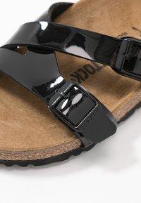 Birkenstock - YAO - Domácí obuv - black - 2