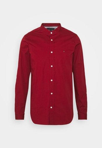 SLIM STRETCH SHIRT - Skjorta - regatta red