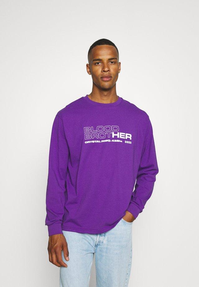 UNISEX MIDWAY TEE - Top sdlouhým rukávem - african violet