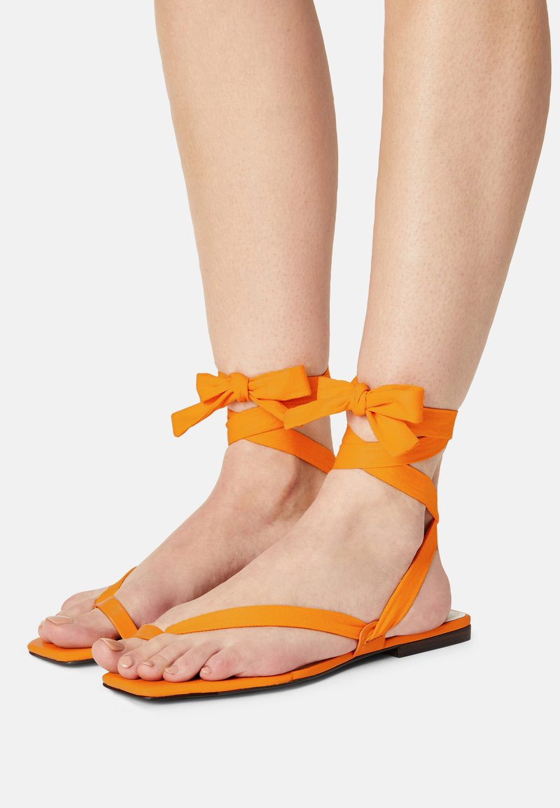 Who What Wear - BROOKE - T-bar sandals - radient yellow