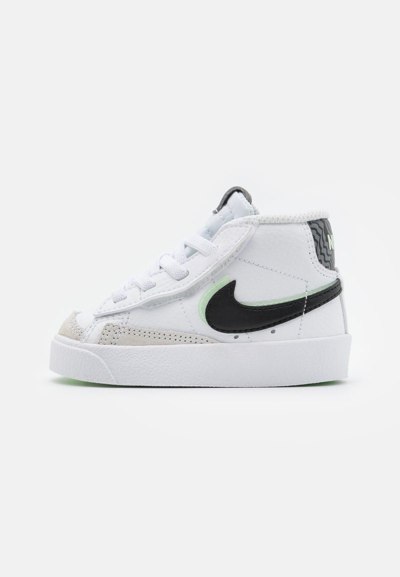 Nike Sportswear - BLAZER MID '77 - Höga sneakers - white/black/vapor green/smoke grey