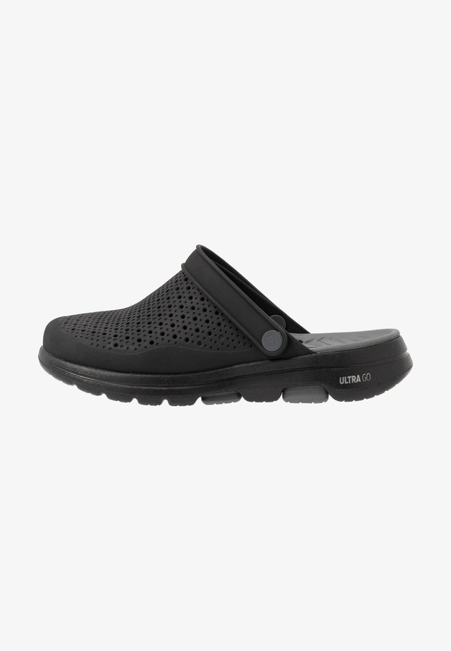 GO WALK 5 - Badslippers - black/charcoal