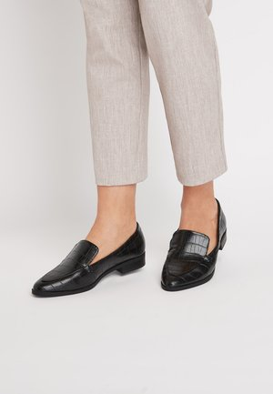 BLACK ALMOND TOE LOAFERS - Slip-ons - black