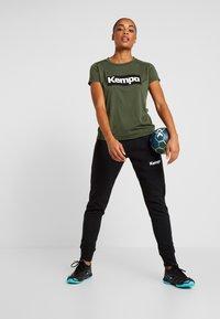Kempa - LAGANDA WOMEN - T-shirts print - deep green - 1